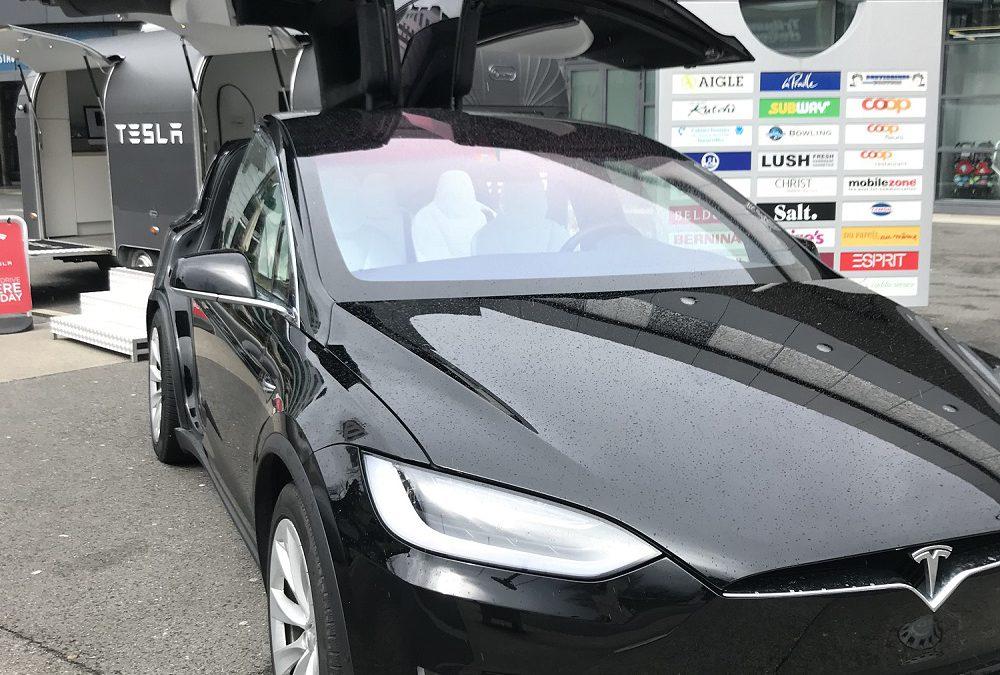 Exposition de véhicule – Tesla